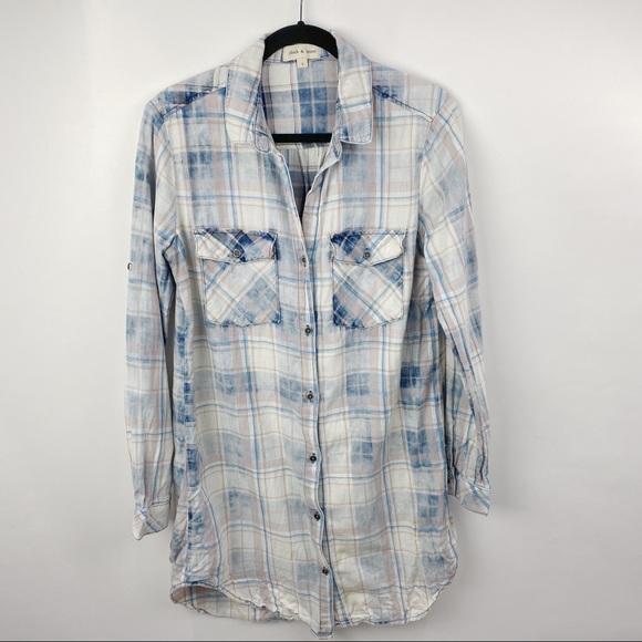 Cloth & Stone plaid distressed button down shirt